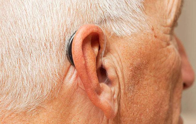 助听器佩戴